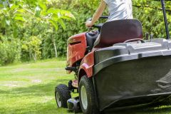mowing-the-grass-1438159_960_7201.jpg